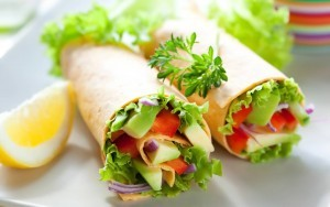 Przepis na burrito z nasionami konopi, hummusem i warzywami, THCLand.pl