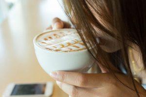 latte-kawa-przepis-na-latte-thc-marihuana-nasiona-konopi-olej-z-konopi